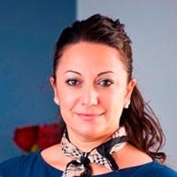 Аделина Сантис