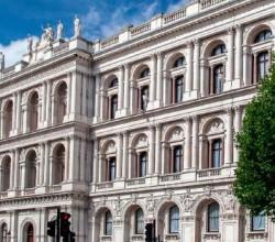 Создание публичных реестров в британских заморских территориях переносится