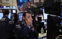 Куда кривая выведет: можно ли предсказать начало кризиса